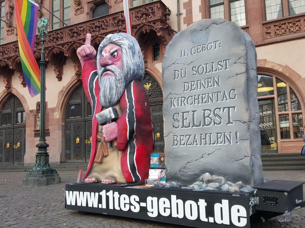 Mosesfigur vor dem Frankfurter Römer